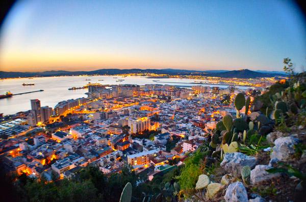 gibraltar-town-night