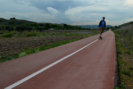They do good cycle tracks in Spain. This went on for miles