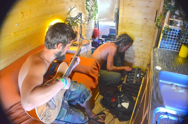 17/8/14 – Bumped into Danny. Recorded the first episode of van sessions. Beatbox loops and guitar