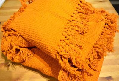honeycomb-sofa-bed-throw