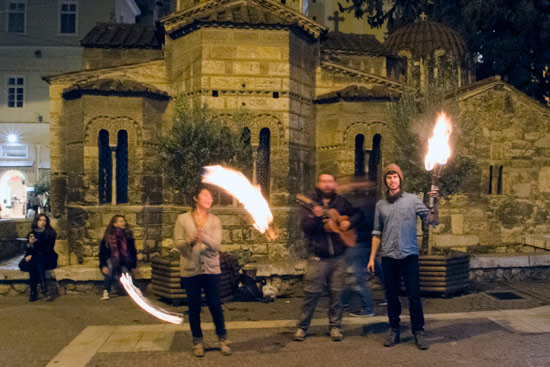 athens-fire-juggling-busking