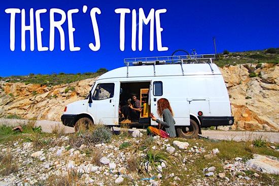 vanlife-living-travelling-in-a-van