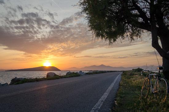 Ambracian-gulf-sunset-bike-ride