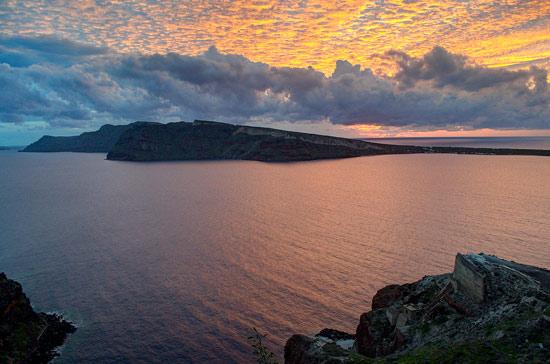 why-I-love-greece-santorini-island-sunset