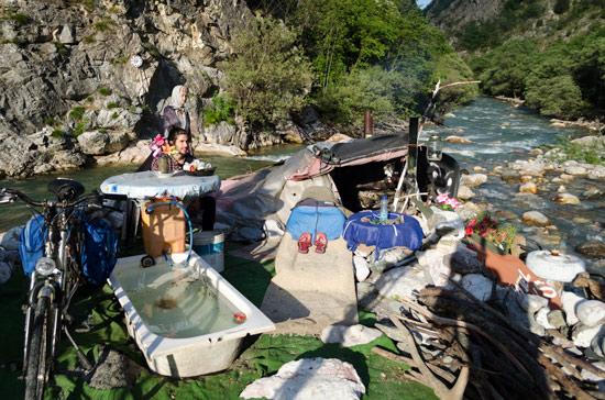 kosovo-river-squat-onsuite