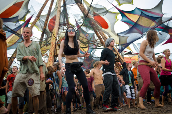 freqs-of-nature-festival-dancing