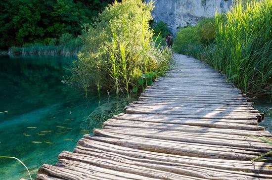 plitvicka-croatia-plank-walkway