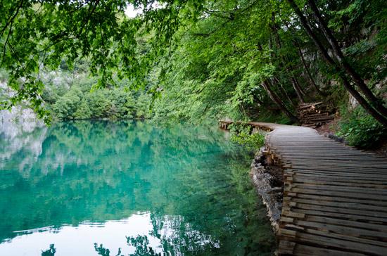 plitvicka-croatia-walk