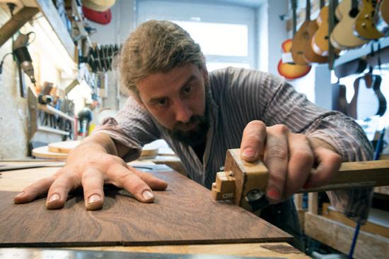leipzig-christian-luthier-cutting-wood
