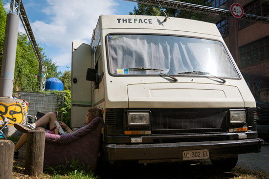 vanlife-berlin-the-face-van
