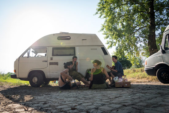 vanlife-czech-republic-camping-music-instruments