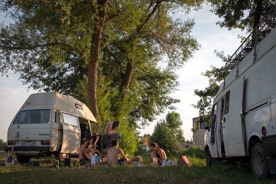 vanlife-czech-republic-camping-summer-evening