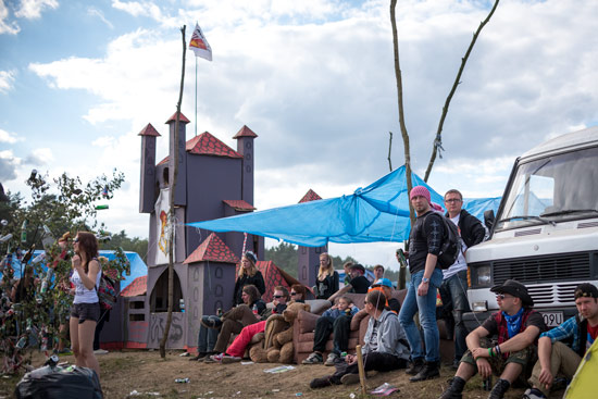woodstock-poland-2015-camping-castle