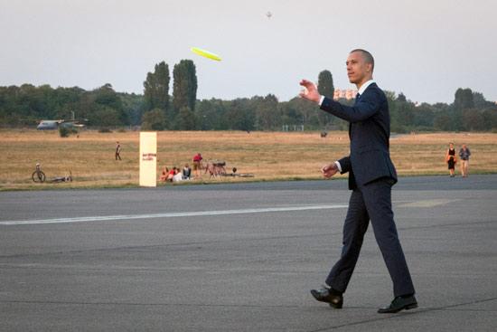 Tempelhof-airport-park-berlin-frisbee