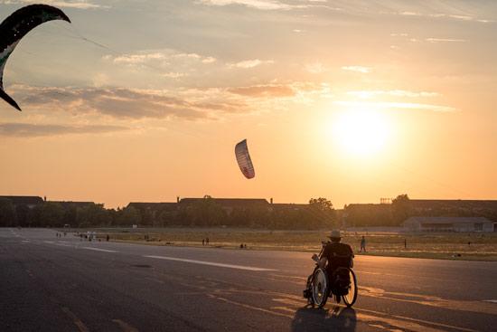 Tempelhof-airport-park-berlin-kite