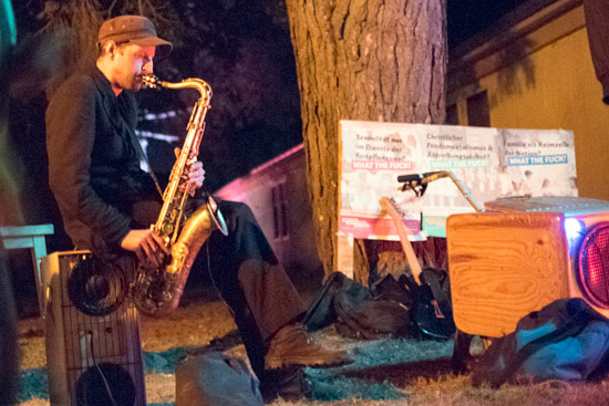 camp-tipsy-berlin-party-sax