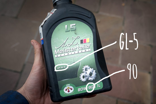 check-and-fill-rear-differential-oil-gl5-gear-oil