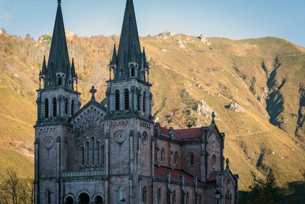 picos-de-europa-covadonga-monastery