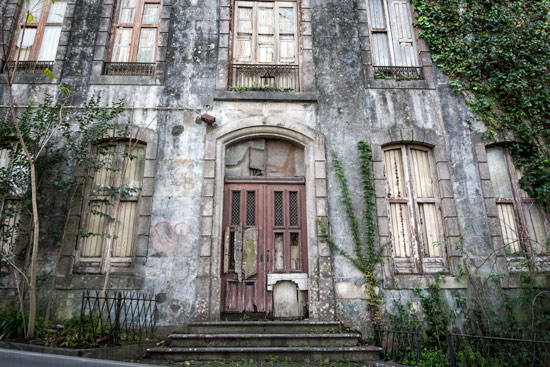 sintra-portugal-abandonded-building