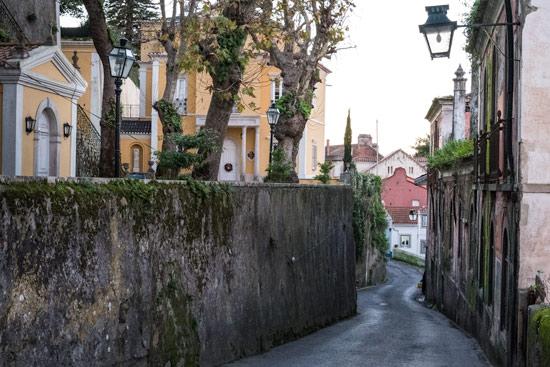 sintra-portugal-narrow-road