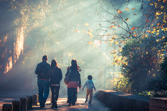 sintra-portugal-town-family-walking