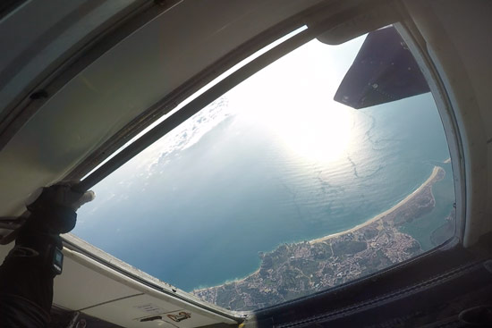 skydive-algarve-portugal-plane-door