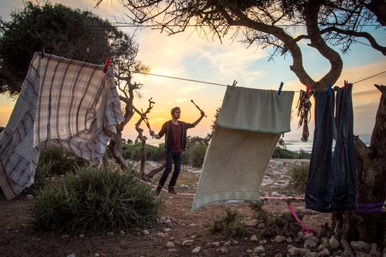 Morocco-by-campervan-sidi-kaouki-slackline