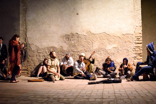 morocco-essaouira-campervan-pirates-zion-crew