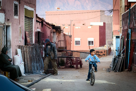 tafraoute-morocco-by-campervan-town-street