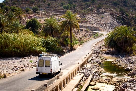 vanlife-leah-shann-in-morocco-palm-grove