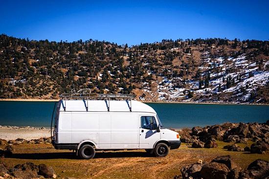 middle-atlas-lake-morocco-campervan-7