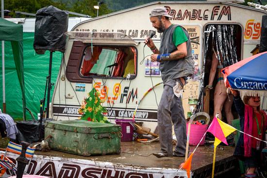 glastonbury-festival-2016-by-campervan-19