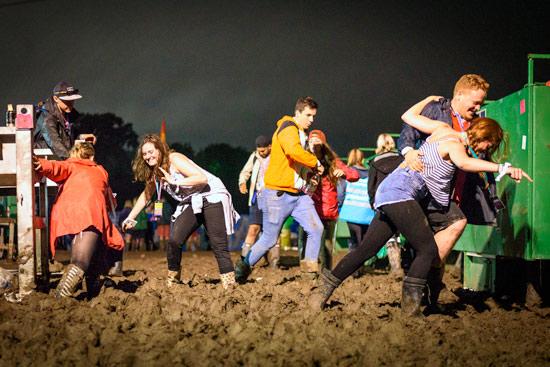 glastonbury-festival-2016-by-campervan-mud