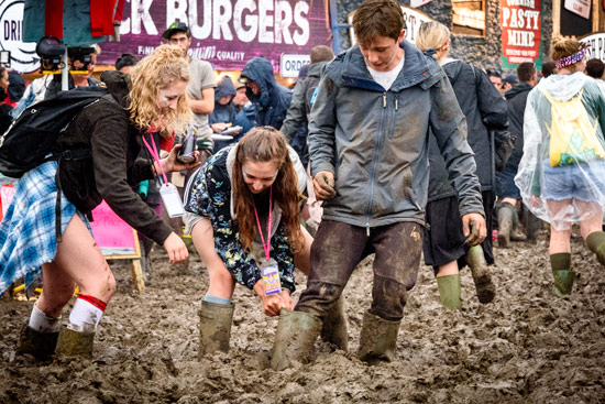 glastonbury-festival-2016-by-campervan-mus-stuck