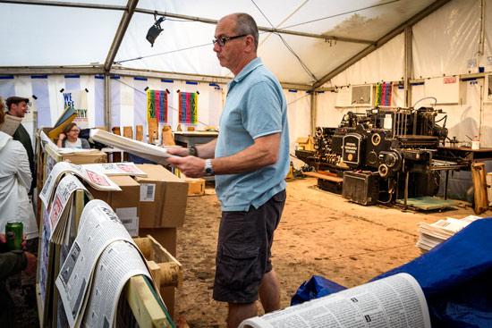 glastonbury-festival-2016-by-campervan-paper