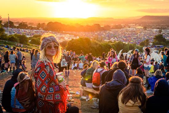 glastonbury-festival-2016-by-campervan-sunset
